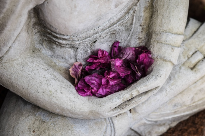 lap-of-flowers
